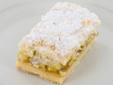 INF Apple Crumble Slice