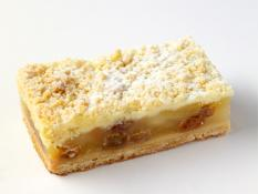 TC Apple Crumble Slice