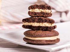 whoopiescookies Peanut Butter & Chocolate - Flourless