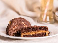 whoopiescookies Salted Caramel & Pecan - Flourless