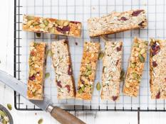 SBN Nourish- Chewy Cranberry Oat Bar (Vegan)